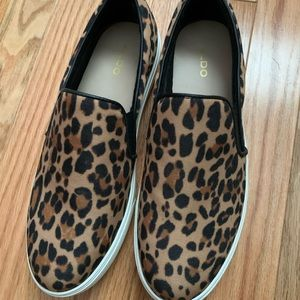 Aldo size 9 women's animal printed slip on shoes